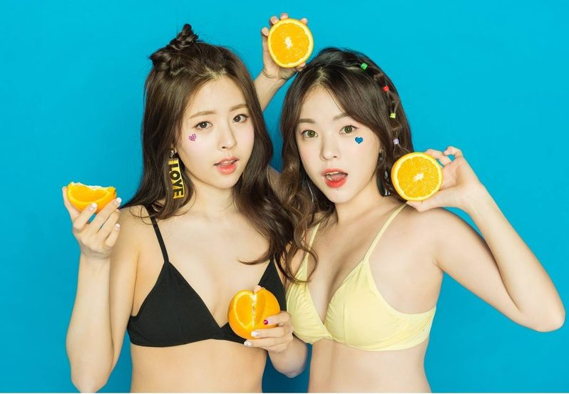 สดใสเปรี้ยวซ่า!!  2 นางแบบสาวน่ารัก จากเกาหลี