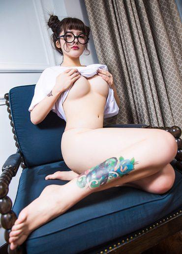 สาวใส่แว่นตาน่ารักเนอะ